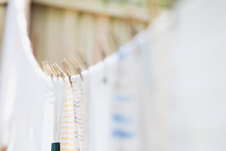 line dry laundry-9737